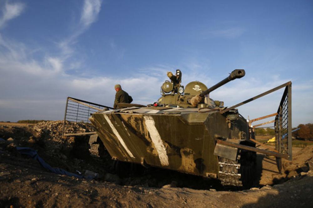 (VIDEO) PRESUDNA BITKA ZA DONBAS: Proruske snage u obruču drže 7.000 ukrajinskih vojnika!