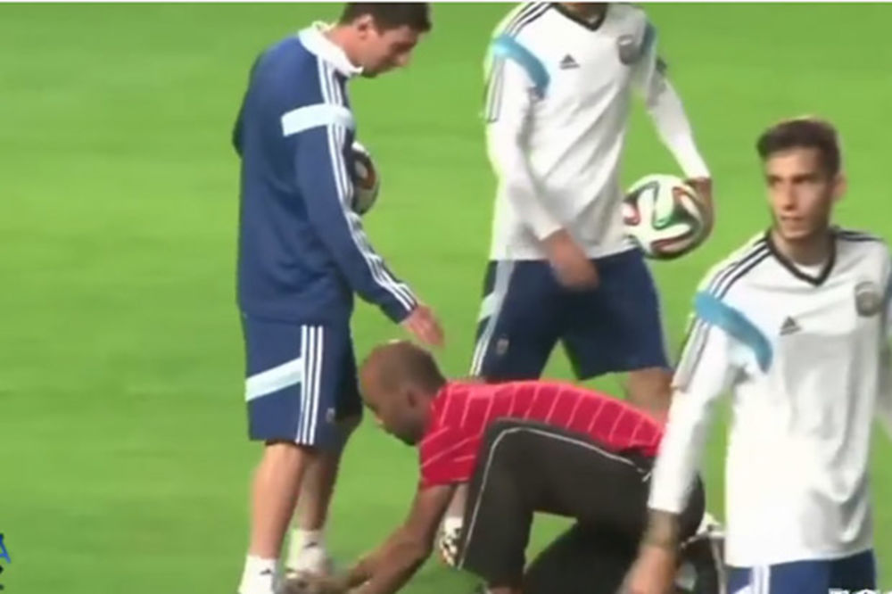 (VIDEO) Najluđa utrčavanja navijača na teren