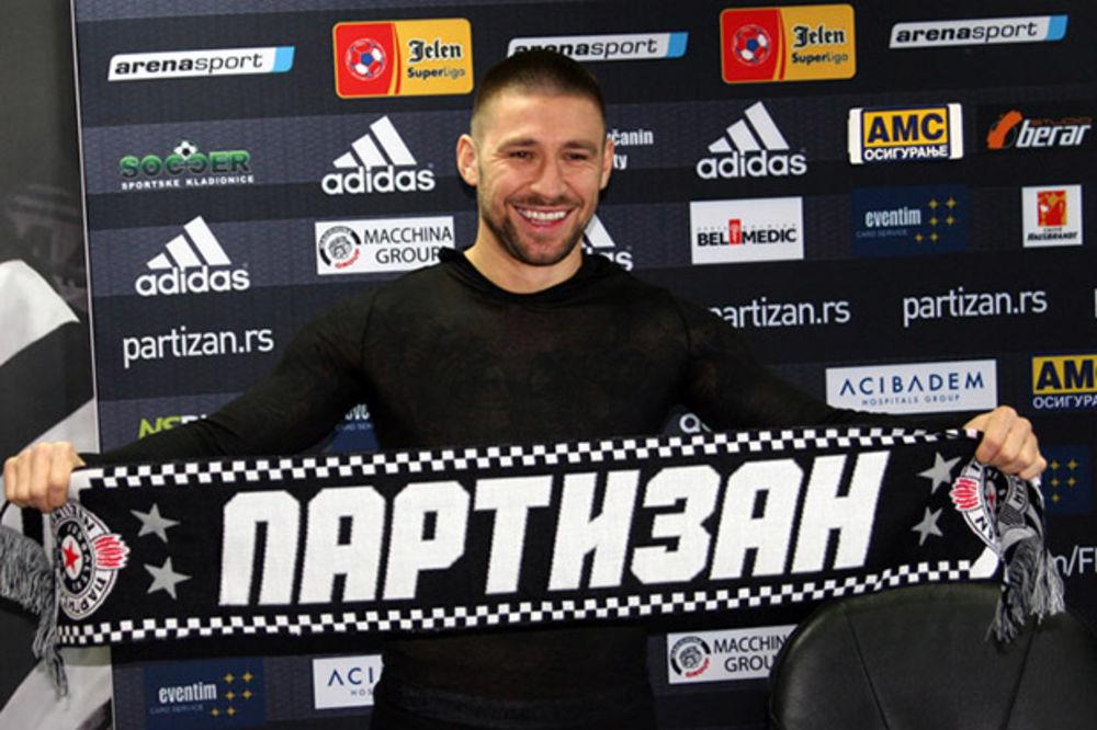 BANDALOVSKI POTPISAO: Hoću s Partizanom da osvojim titulu i plasiramo se u Ligu šampiona