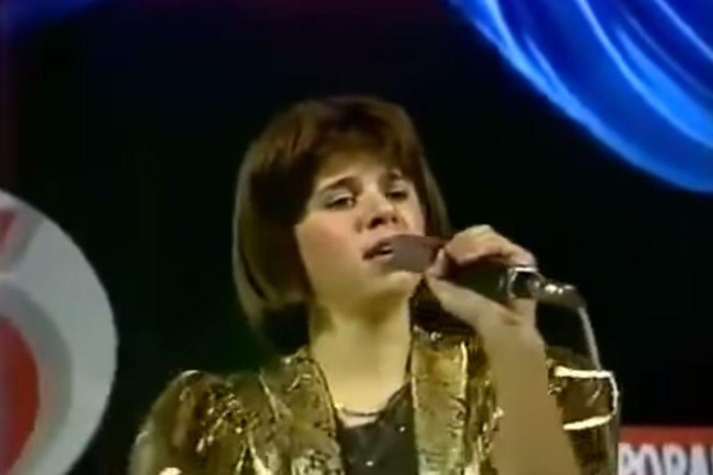 ONA DANAS ŽARI SVOJIM POPRSJEM: Prepoznajte je, ova devojčica je jedna od najvećih zvezda Srbije!