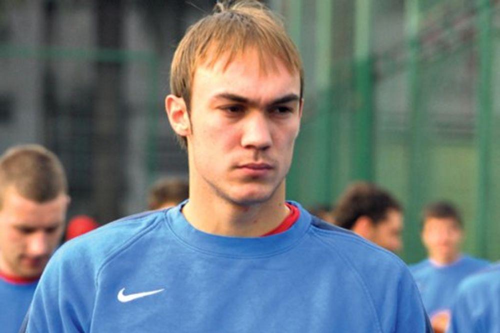 NOVI PROPUST NA MARAKANI:  Dmitrović umesto Zvezdinog čuva gol Čarltona