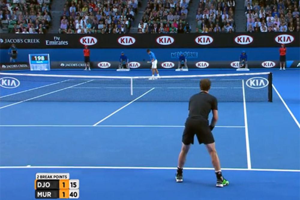 (VIDEO) Pogledajte poen kojim je Novak naterao devojku Endija Mareja da mu aplaudira