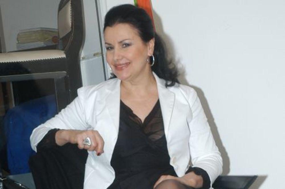 LEPOTICA U SEDMOJ DECENIJI: Snežana Savić otkriva recept za odličan izgled i uspešnu karijeru
