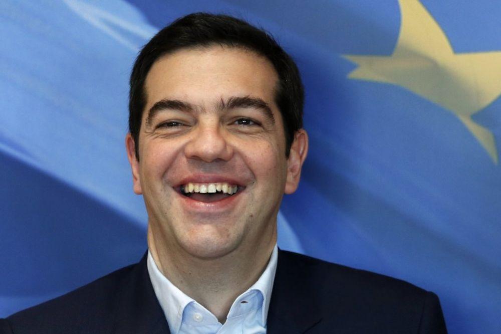CIPRAS U BRISELU BEZ KRAVATE: Neću da razbijem EU, nego da je popravim