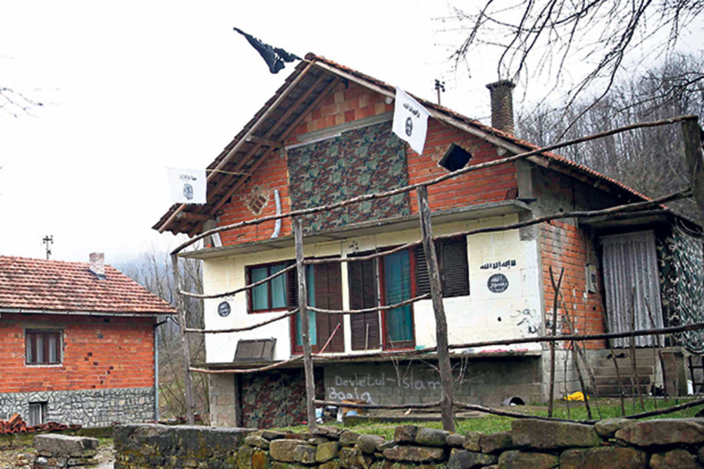 NEMAČKI MEDIJI UPOZORAVAJU: Islamska država teroriste regrutuje na Kosovu