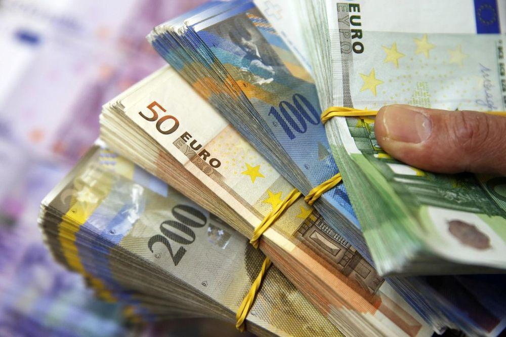 NIŠTA OD EKSTRAKAMATA: Banke umanjuju devizne rate!