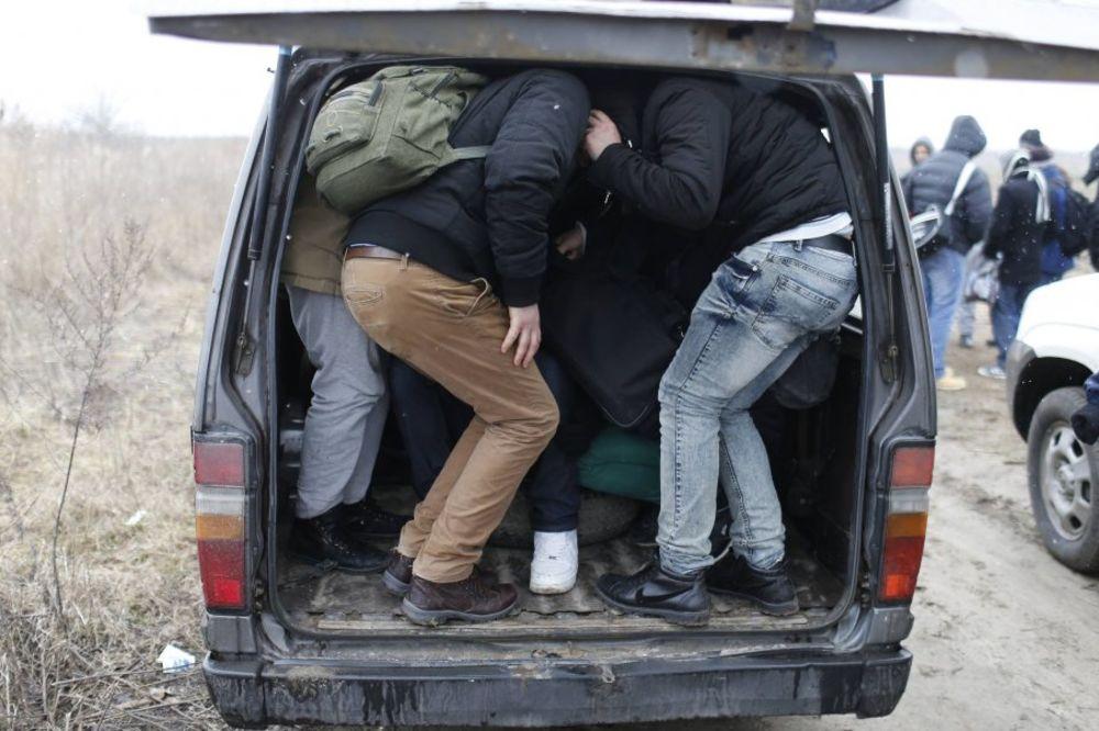 Mađarska: Uhapšena tri vozača iz Srbije zbog šverca ljudi