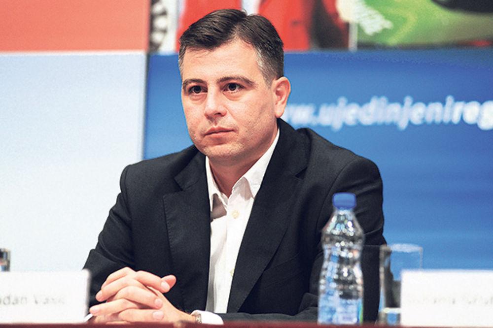 Predsednik Opštine Pirot prima platu 120.000 dinara