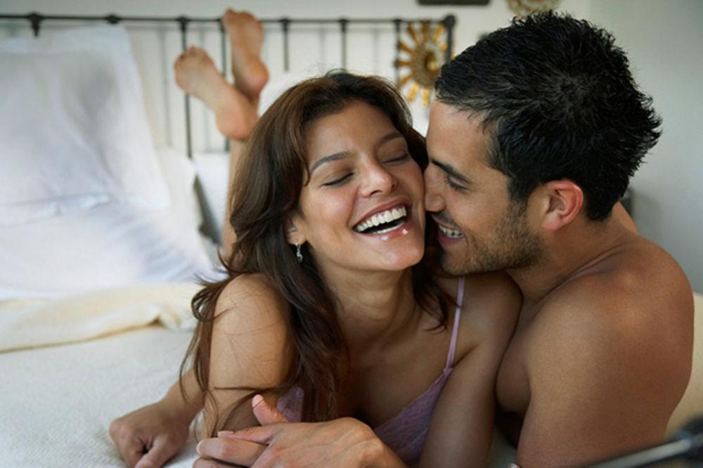 Muškarci u 29. godini života najviše uživaju u seksu, a u 49. najčešće varaju