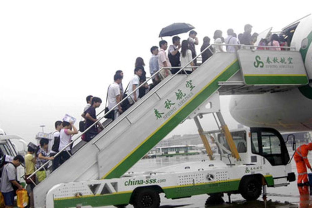 LETEĆEMO ZA SITNIŠ: Kineska aviokompanija uvodi mesta za stajanje