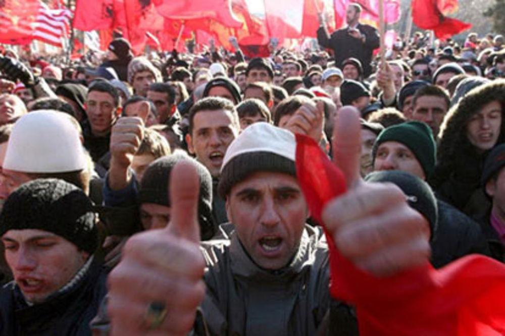 NE PITAJU ZA CENU: Albanci sa Kosova masovno kupuju nekretnine u Makedoniji