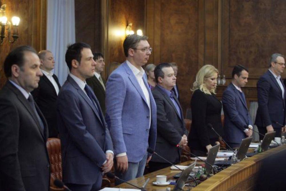 VLADA SRBIJE: Sednica počela minutom ćutanja, usvojen izveštaj o briselskom dijalogu