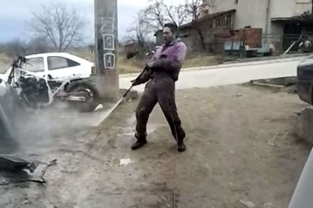 (VIDEO) DA UMREŠ OD SMEHA: Kada Vranjanci peru kola, to izgleda ovako!
