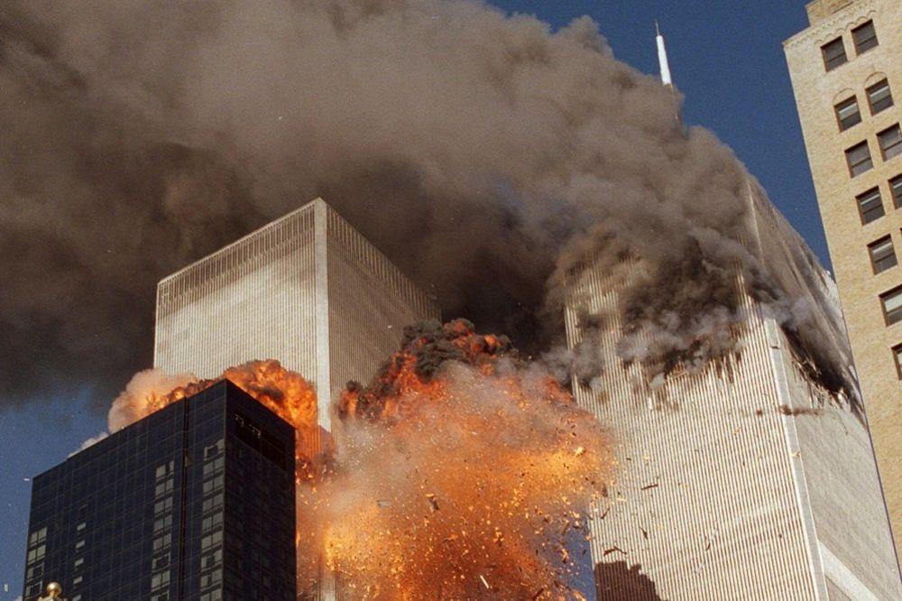 ENGLEZI OTKRILI: Džordž Buš stoji iza rušenja kula bliznakinja, kamerman pronašao dokaz!