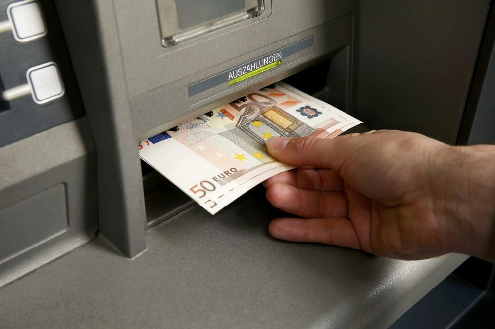DETALJI ISTORIJSKE PLJAČKE HAKERA: Evo kako su preko banaka širom sveta ukrali 900 miliona evra!