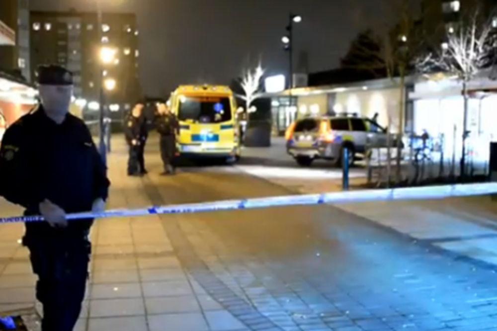 (VIDEO) KOBNA OPOMENA ZBOG NEREDA: Nasilnici nožem izboli Bosanca (31) u Malmeu