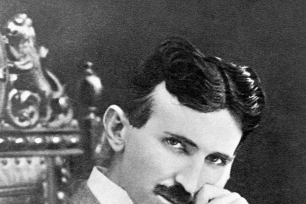 GENIJE KAKAV SE JEDNOM RAĐA: Tesla pre skoro 100 godina predvideo pametne telefone!