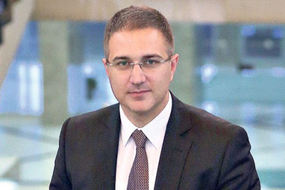 Stefanović zahvalio pripadnicima MUP na predanom radu u prethodnih godinu dana
