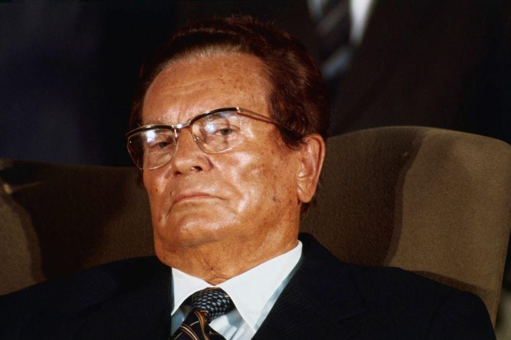 DRUŽE TITO, MI TI SE KUNEMO: Šta su govorili o Brozu jugoslovenske i svetske javne ličnosti
