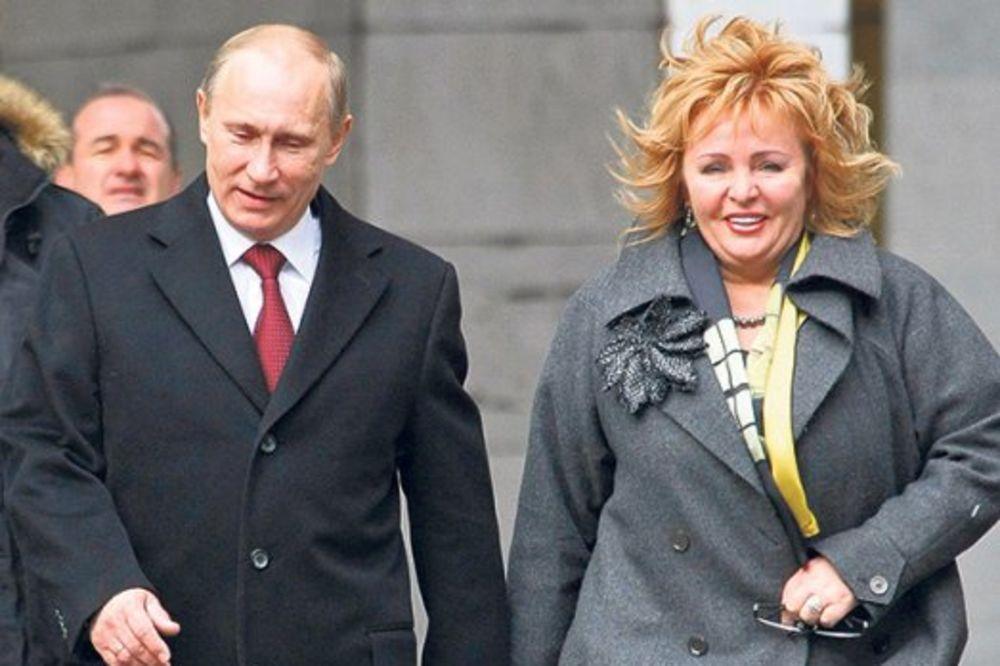 U OVO VERUJU SAMO TEORETIČARI ZAVERA Ljudmila Putin: Vladimir je mrtav, zamenio ga je dvojnik!