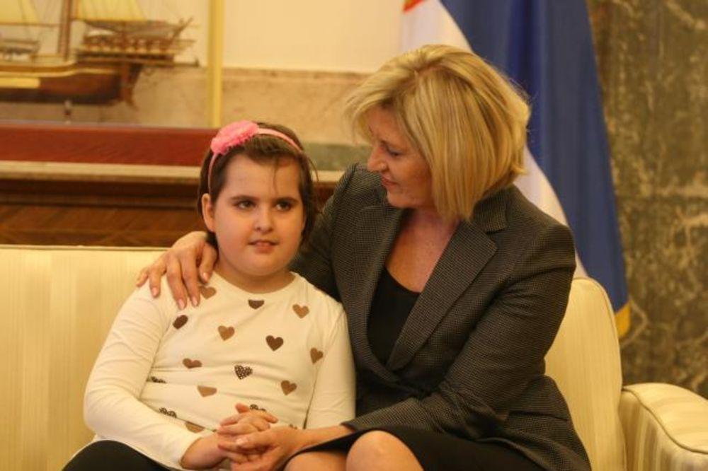 MALA MILICA U BEOGRADU: Jedino srpsko dete u Prizrenu