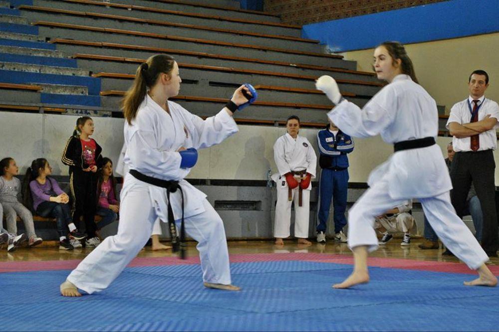 ZVEZDARA: U nedelju javni čas karatea ispred opštine