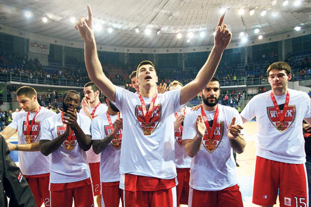 LEVICA SE ZALILA: Košarkaši Zvezde slavili osvajanja Kupa