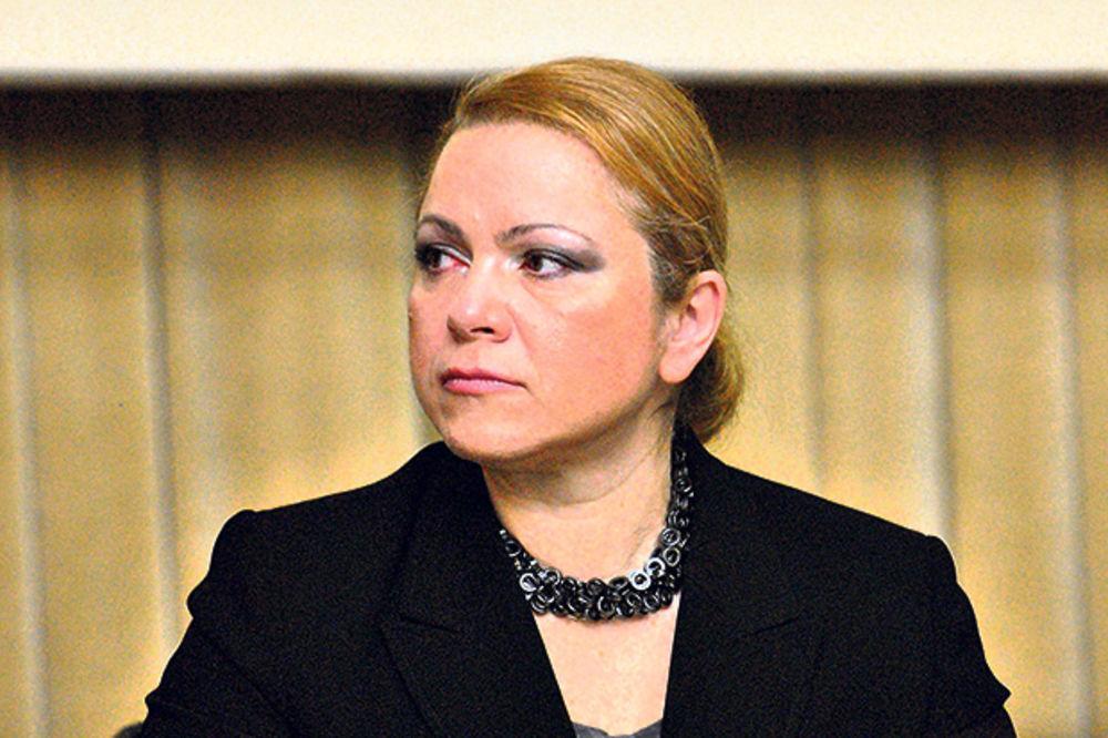 """JEDNOM SE ŽIVI: Jasna Matić optužnicu """"proslavila"""" šopingom u Parizu!"""
