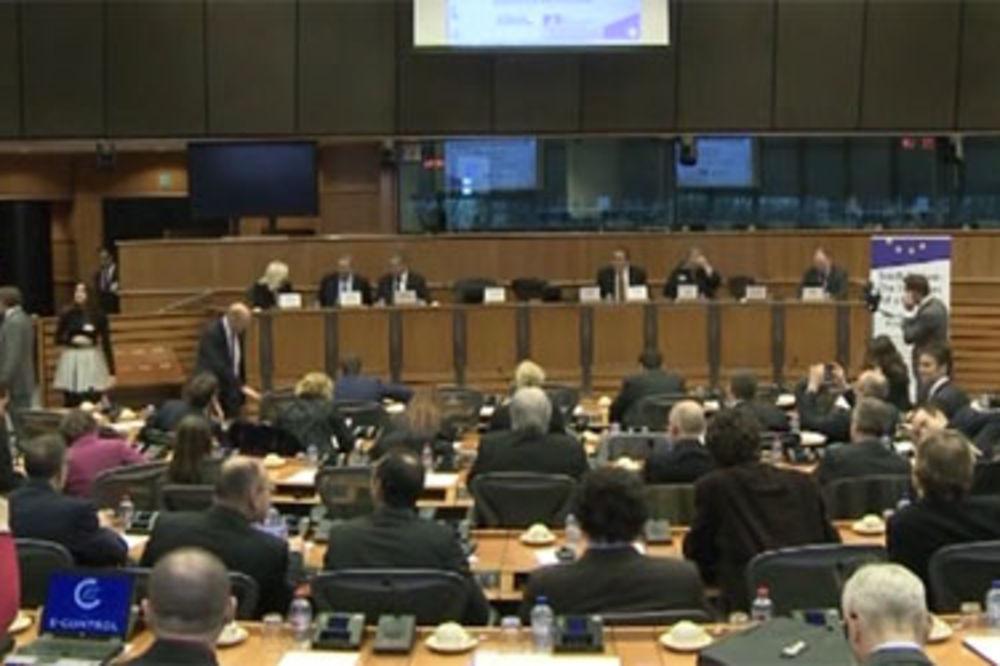 GLASALI U EP: Odbijen predlog Hrvatske uz poziv na otvaranje prvih poglavlja Srbiji