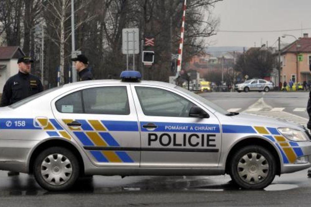 NASTAVAK MASAKRA U ČEŠKOJ: Supruga masovnog ubice zabarikadirana u kući!