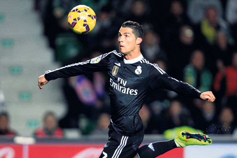 Ronaldo tek treći napadač na svetu