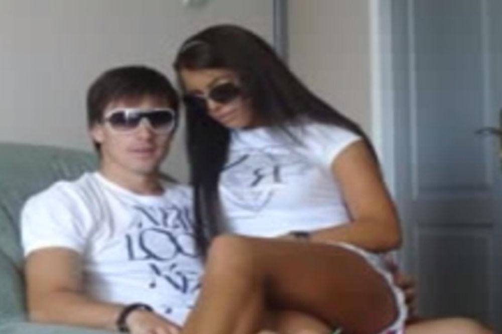 VIDEO ZAPALIO INTERNET: Pogledajte Ana Marija sedi u krilu Volkovu!