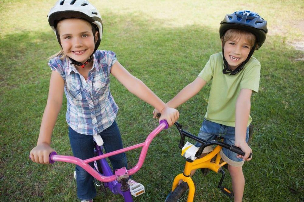 Facebook Bicikl-kaciga-deca-foto-profimedija-1424870880-620070