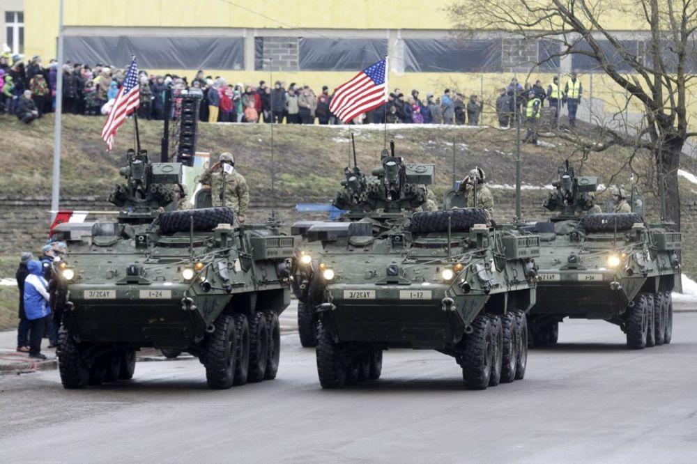 CRVENO USIJANJE: NATO vežba na 300 metara od ruske granice