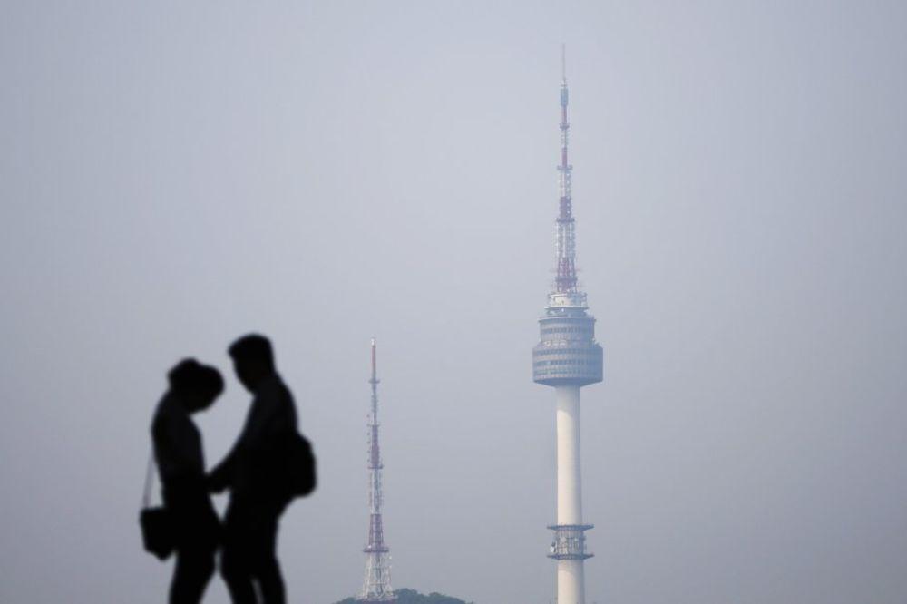 ODMAH SKOČILA PRODAJA KONDOMA: Južna Koreja legalizovala švaleraciju!