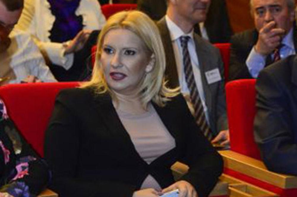 (ANKETA) NE IDE UZ MINISTARKU: Novi Zoranin stajling drma vladu