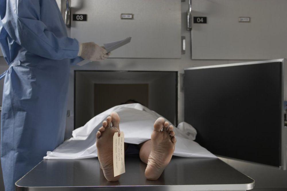 UŽAS U PRILEPU: Čuvao mrtvu sestru godinu dana zbog socijalne pomoći