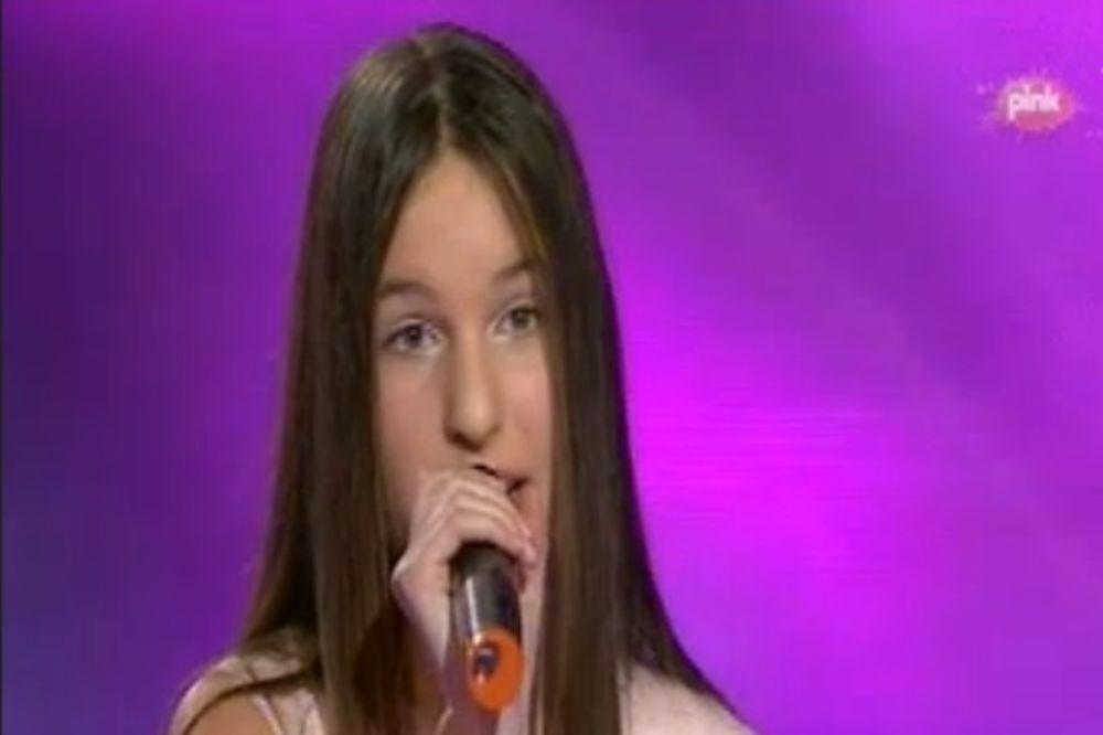 UŽIVO PINKOVE ZVEZDICE: Nina oduševila izborom pesme