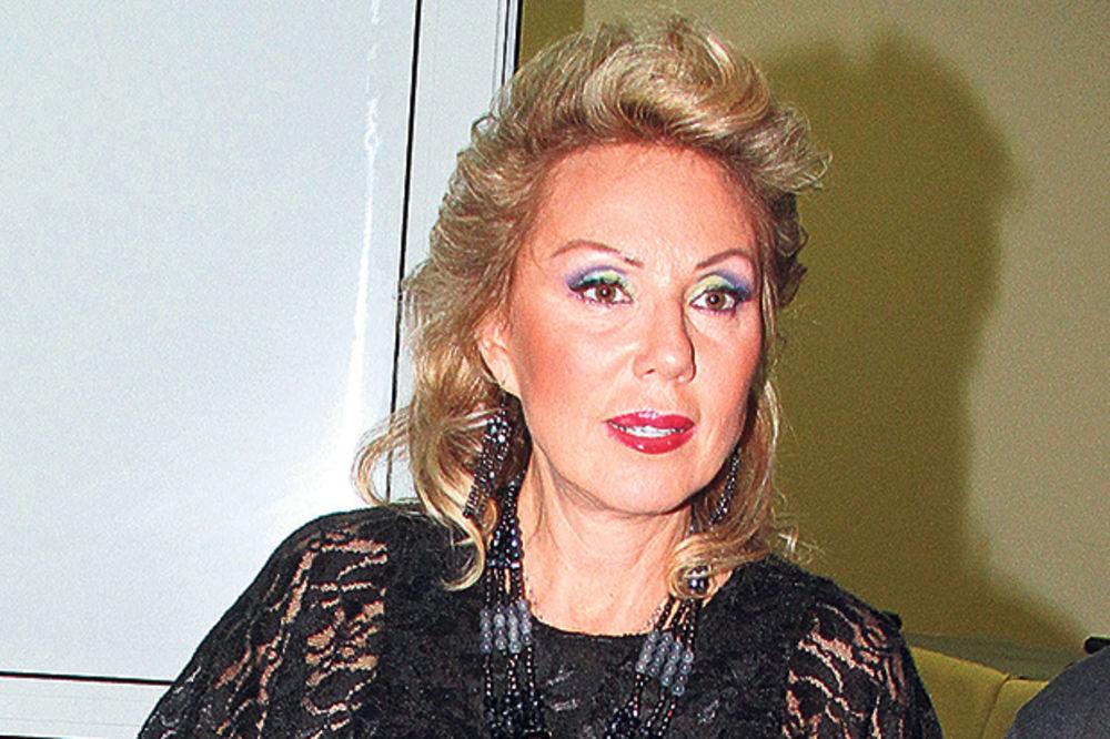 POLITIKA UMEŠALA PRSTE: Lepa Brena otkazala gostovanje u Skoplju!