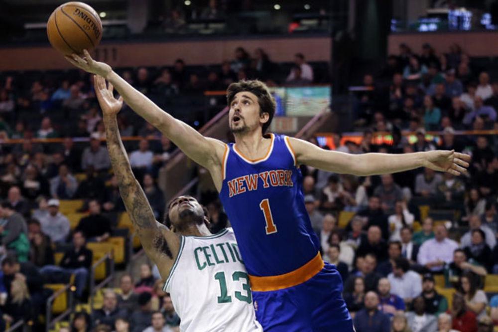 (VIDEO) IMA LI NEŠTO SMEŠNIJE: Da li je ovo najgori šut u istoriji NBA lige?
