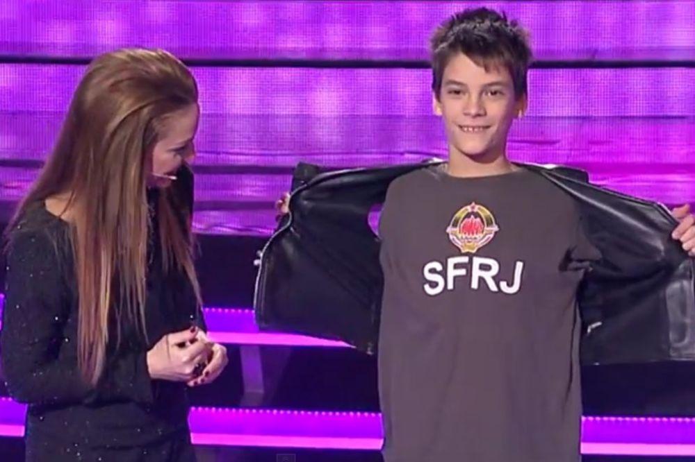 (VIDEO) PINKOVA ZVEZDICA MALI JUGOSLOVEN: Todor (12) iz Niša s ponosom nosi majicu SFRJ!