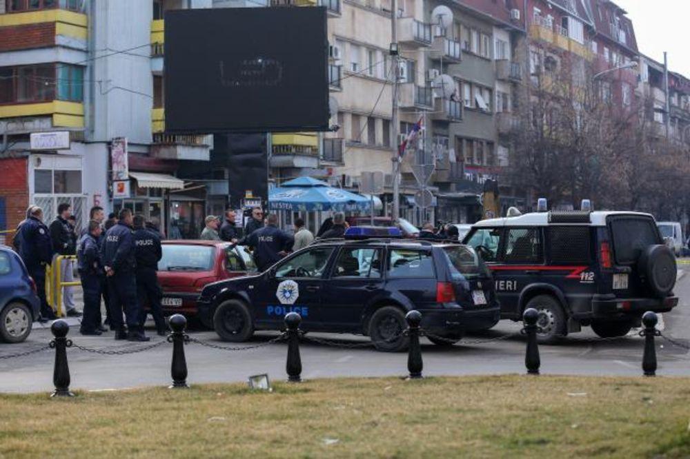 SPREČEN VELIKI INCIDENT: U Mitrovici uhapšeni maloletni Albanci s pištoljem i dva noža