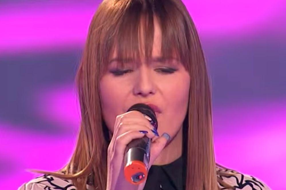 (VIDEO) TUŽNA SUDBINA PINKOVE ZVEZDE: Izgubila sam majku sa 16, sad pevam za nju!