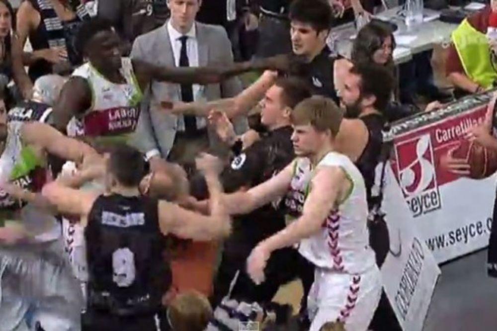 (VIDEO) SRBIN IZAZVAO TUČU U ŠPANIJI: Dejan Todorović započeo makljažu, Bertans branio brata
