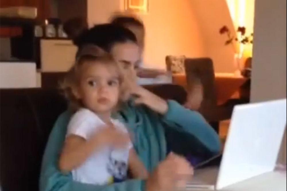 (VIDEO) Poslušajte koju pesmu peva trogodišnja ćerkica Saše Pavlovića