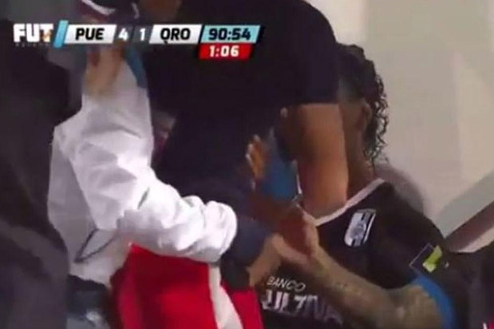 (VIDEO) KAKAV SI TI ČOVEK? Ronaldinjo odbio da pozdravi navijača koji je hteo samo da ga zagrli