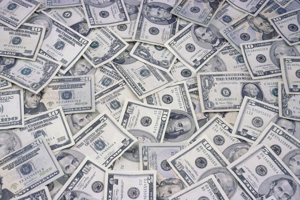 CELA DRŽAVA PRED STEČAJEM ZBOG KRAĐE VEKA: U Moldaviji isparilo milijardu dolara!