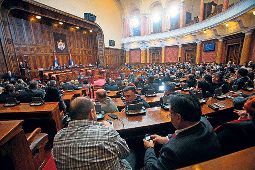 POBUNA PROTIV MINISTARKE: Poslanici tražili da ne plaćaju putarinu