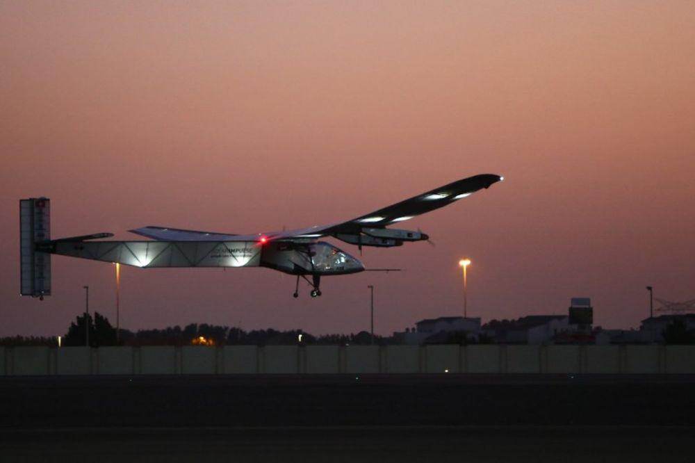 PUT OKO SVETA BEZ KAPI GORIVA: Ovaj solarni avion uskoro kreće na put