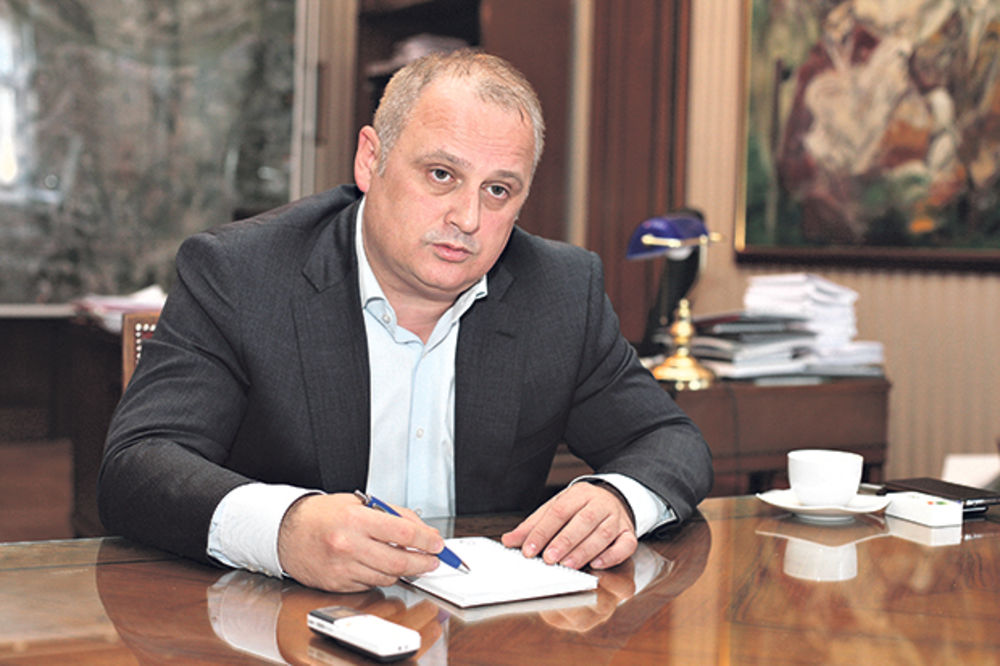 VESIĆ: Sa drugim strankama o mogućoj koaliciji na Vračaru